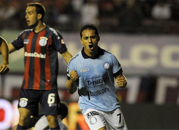 El tamaño es lo de menos en César Pereyra que por su capacidad goleadora tiene bien ganado un puesto entre los mejores del fútbol argentino (Foto: NotiFutbolWeb)