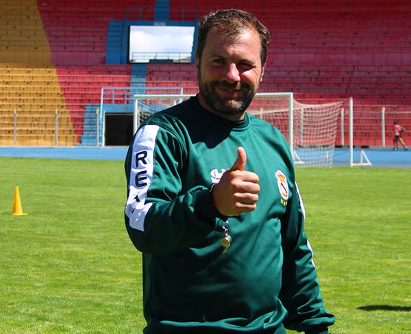 Carlos Fonseca dirige a Real Potosí en su intento por recobrar protagonismo. (Foto: Prensa Real Potosí)