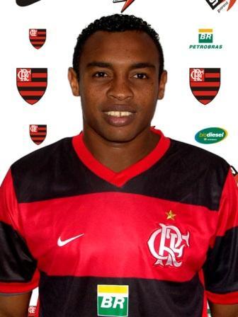 Nacido en Vera Cruz (Brasil) el 31 de enero de 1983, Obina mide 1.83 y pesa 86 kg (Foto: flamengo.com.br)