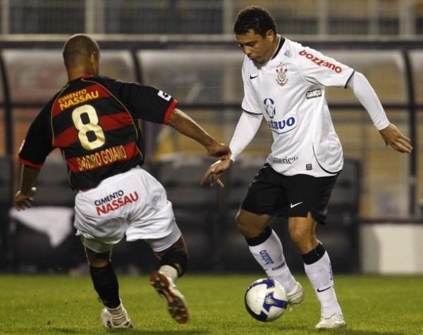 Ronaldo ha vuelto al Brasileirao para jugar un campeonato tan sencillo como los que disputaba en Europa (Foto: Reuters)