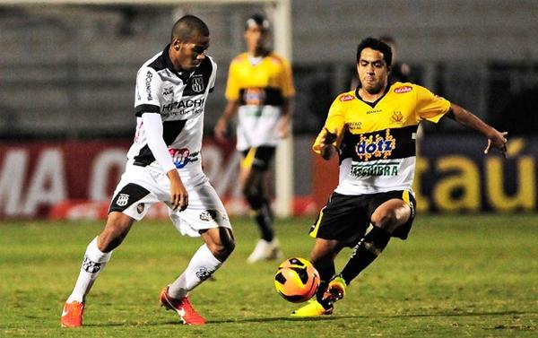 En el Brasileirao 2013 ya se enfrentaron, pero a Ponte Preta y Criciuma les toca volver a verse las caras en la Sudamericana (Foto: globoesporte.globo.com)