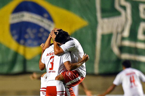 Brasilia logró un inesperado pase a la siguiente etapa de la Copa Sudamericana, superando a Goiás. (Foto: AFP)