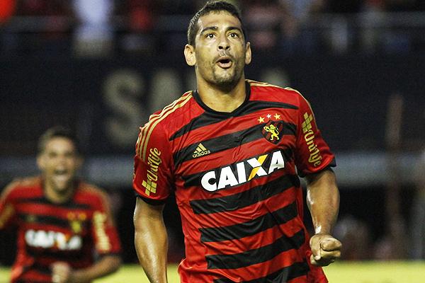 Diego Souza anotó en Sport Recife y Fluminense para convertirse en el goleador del Brasileirao. (Foto: GloboEsporte)
