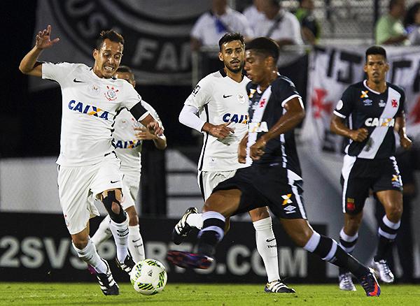 Mientras Vasco sorprendió en la temporada, Corinthians fue el campeón. (Foto: AFP)