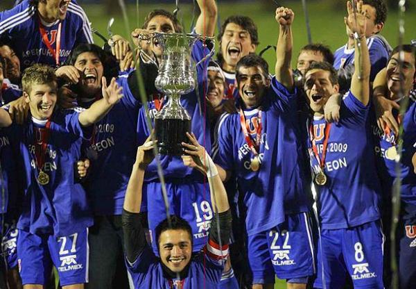 Con Sergio Markarián en el banco, 23 jornadas le bastaron a la 'U' de Chile para llevarse el Apertura mapochino (Foto: deportes2008-2009.blogspot.com)