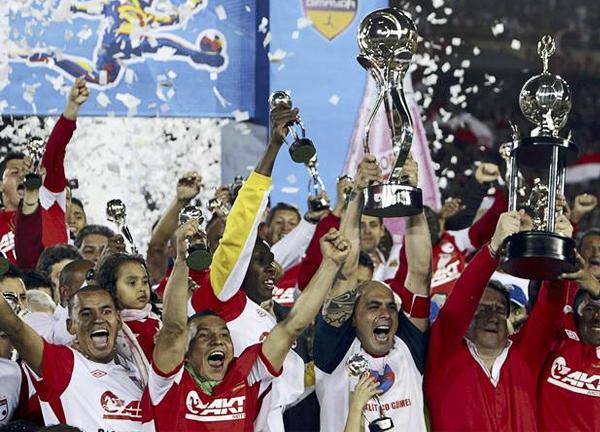 Independiente Santa Fe llega a la Libertadores como campeón del primer semestre en 2012 del fútbol colombiano (Foto: AP)