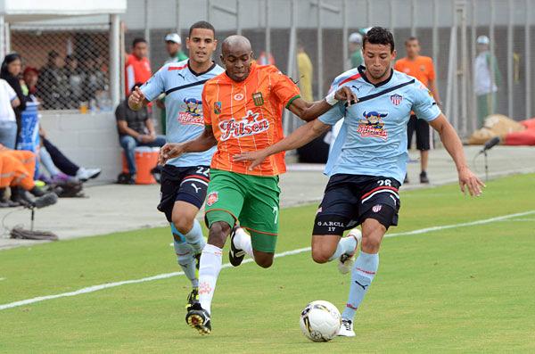 Wilson Carpintero ofrece una presencia segura en la ofensiva del Envigado (Foto: elmundo.com)