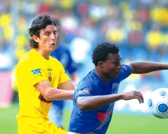 EMELEC y Barcelona necesitan jugar un sinnúmero de veces si quieren alzarse con el título ecuatoriano (Foto: diariocorreo.com.ec)