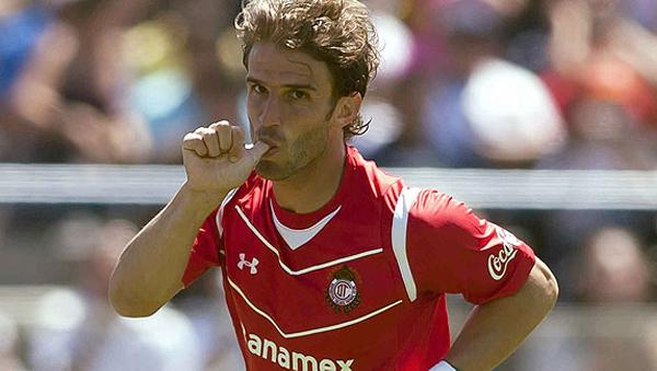 El ítalo-uruguayo fue el goleador del torneo. Fue de los pocos que sacaron cara en un Toluca que no tuvo una buena temporada (Foto: Mexsport).