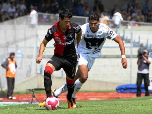 HUMILLATE. Atlas venció a domicilio a los Pumas de la UNAM. Con Jahir Barraza como figura -marcó dos tantos-, el cuadro rojinegro ganó por 4-1. (Foto: Mexsports)