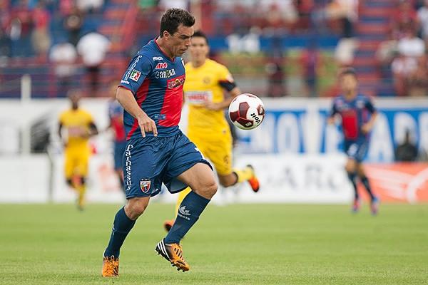 El chileno Esteban Paredes se acopló rápido al fútbol mexicano donde el Atlante agradeció sus goles (Foto: Mexsport)