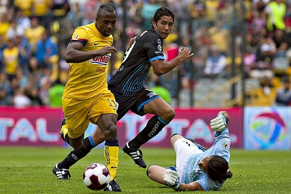 El goleador del América responde al nombre de Christian Benítez, quien atropelló fuerte con sus goles desde Ecuador (Foto: Mexsport)