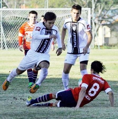 Tacuary es uno de los equipos paraguayos que pelea por uno de los cupos que otorga el ascenso (Foto: redeportes.com)