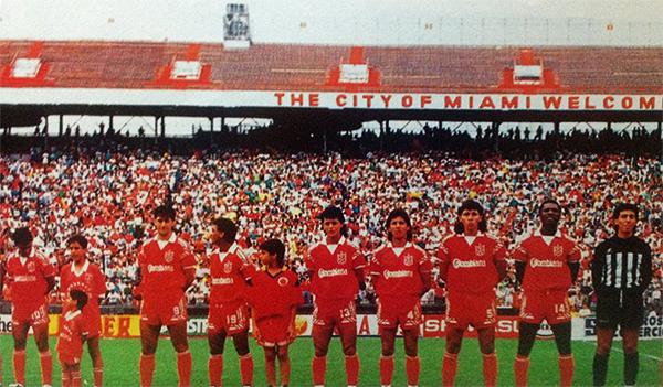 América de Cali en Miami por la Libertadores 1991. (Foto: Alberto J. Hurtado / Deporte Gráfico)