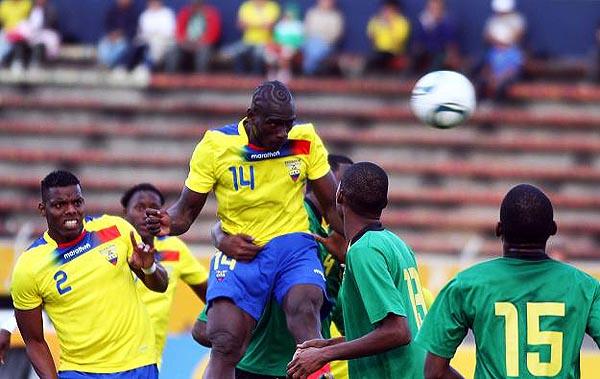 En 2011, Segundo Castillo se impone por arriba a la débil marca jamaiquina. (Foto: diario La República de Ecuador)