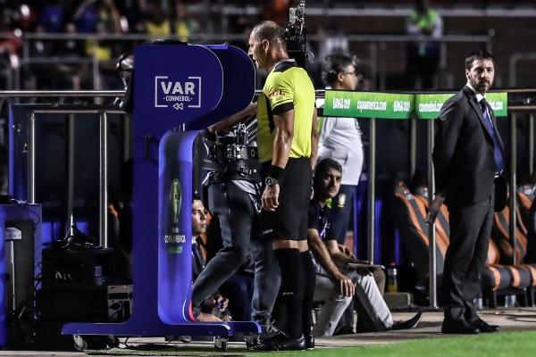 El VAR hizo su estreno en la Copa América y avaló el penal a favor de Brasil. (Foto: Prensa Copa América)