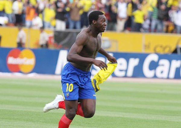 Caicedo festeja su tanto, que desequilibró definitivamente el partido (Foto: elcomercio.com)