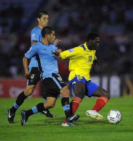 Avanza Caicedo ante la marca de Gargano (Foto: elpais.com.uy)