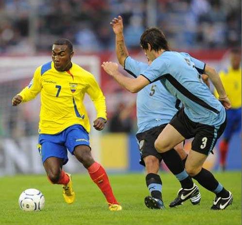 Guerrón sigue madurando en su juego y en Montevideo lo ratificó (Foto: elpais.com.uy)