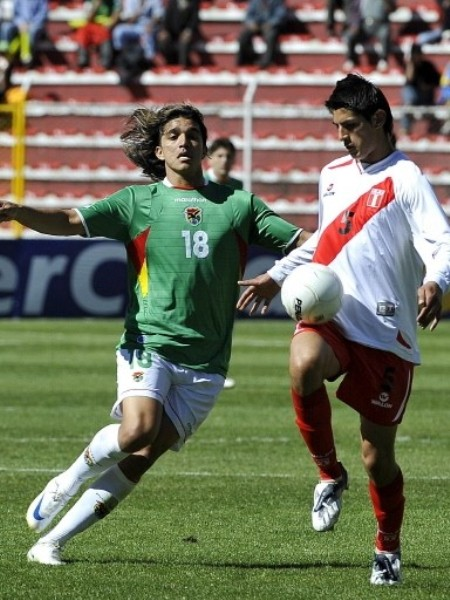 Zambrano fue amonestado y no estará en Asunción (Foto: FIFA.com / AFP)