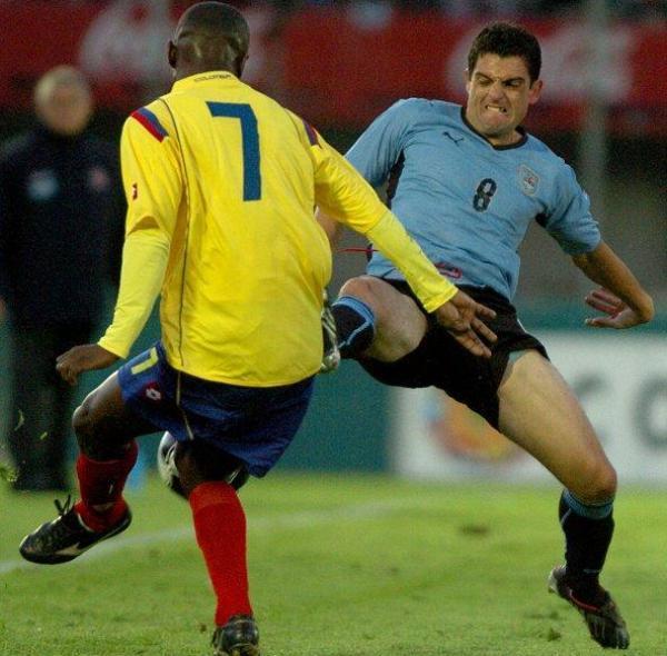 SUTIL ESTRATEGIA. Parece que a Bruno Silva le esoció el suspicaz golpe de Armero.  (Foto: EFE)