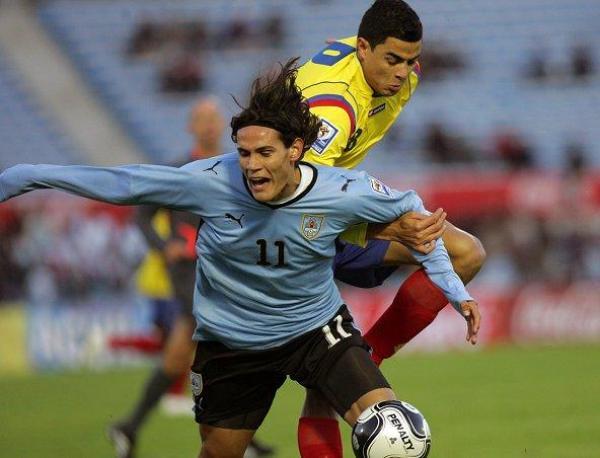 DURA PELEA. La tensión por los puntos importantes se tradujo en un duro partido. El paraguayo Torres dejo a ambos con 10 elementos (Foto: EFE)