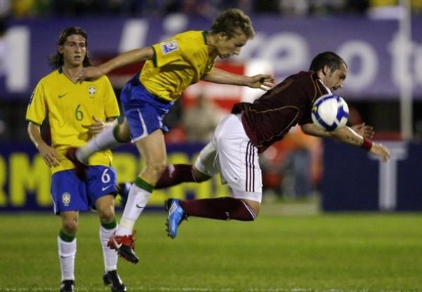 EL NUEVO BRASIL. Este Brasil ha demostrado que la defensa ya no es su punto débil. COn variantes como Filipe y Leiva puede estar seguro ante cualquier ataque rival (Foto: REUTERS)