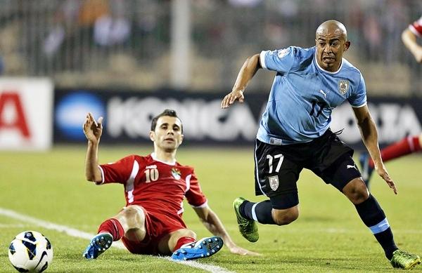 La solidez uruguaya se impuso en todos los sectores del campo, Arévalo Rios no tuvo mayores complicaciones. (Foto: AFP)