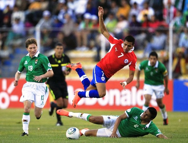 KAZUKI ITO. Alfredo intriago tuvo una actuación para el olvido, pues se comió dos penales en el primer tiempo a favor de Bolivia y exageró en el tiempo de compensación de la primera parte. (Foto: Reuters)