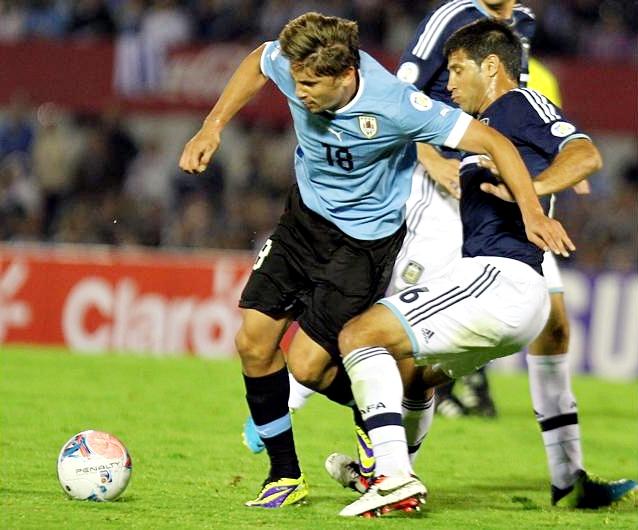 Uruguay lo terminó ganando, pero este resultado no le alcanzó para obtener el cupo directo. Jordania lo espera. (Foto: EFE)