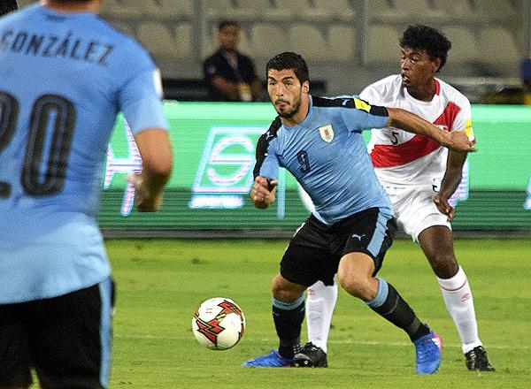 Miguel Araujo reemplazó con creces a Christian Ramos en el bloque posterior de la selección peruana. (Foto: Pedro Monteverde / DeChalaca.com)