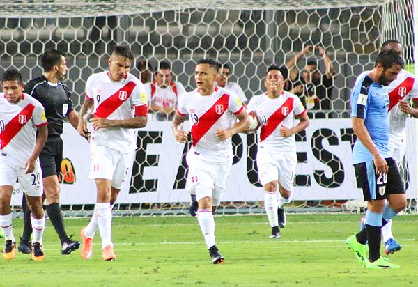 Yoshimar Yotún fue la gran figura de Perú ante Venezuela y actualmente es un titular indiscutivo en la blanquirroja. (Foto: Pedro Monteverde / DeChalaca.com)