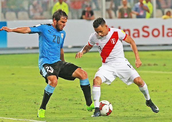 Yotún no solo recuperó el balón en diversas ocasiones, sino también hasta dio un pase gol en el tanto del empate víaa Paolo Guerrero. (Foto: ANDINA)