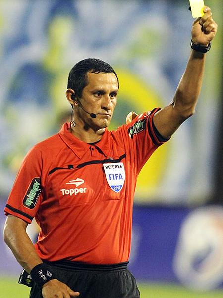 Arias es el mejor árbitro paraguayo en la actualidad. (Foto: AFP)