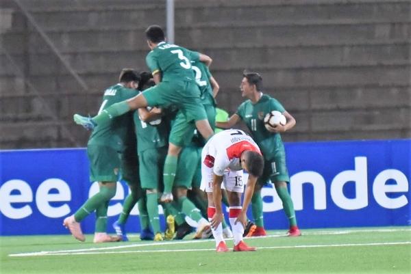 Chura celebró así su gol de empate, pero luego marró uno hecho. (Foto: Álex Melgarejo / DeChalaca.com)