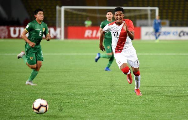 Figueroa se reveló como un ariete peligroso. Acá pica hacia el gol. (Foto: Álex Melgarejo / DeChalaca.com)