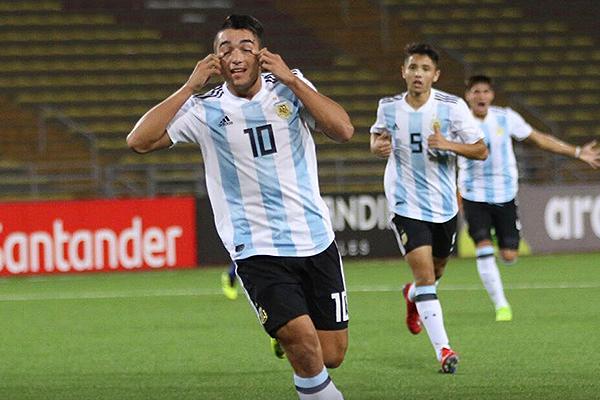 La celebración de Palacios luego de su notable gol. (Foto: Pedro Monteverde / DeChalaca.com)
