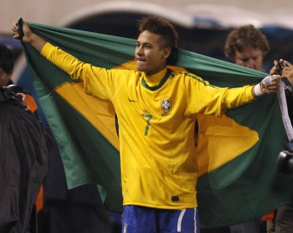 EL REY. Con lo exhibido ante Uruguay, Neymar demostró que fue el mejor jugador del sudamericano. (Foto: AP)