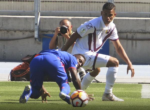 Samuel Sosa fue determinante para el triunfo de Venezuela en Rancagua. Notable actuación del '10'. (Foto: Aldo Ramírez / DeChalaca.com, enviado especial a Rancagua)