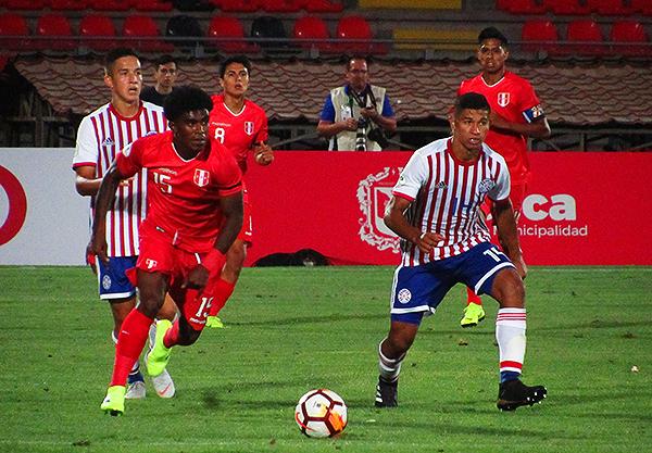 El ingreso de Oslimg Mora le dio más velocidad al ataque peruano, pero no fue suficiente. (Foto: Aldo Ramírez / DeChalaca.com, enviado especial a Talca)