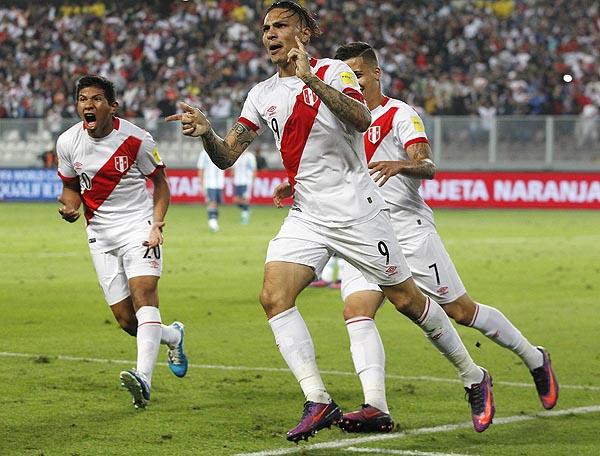 Paolo Guerrero fue el autor del empate blanquirrojo. (Foto: AP)