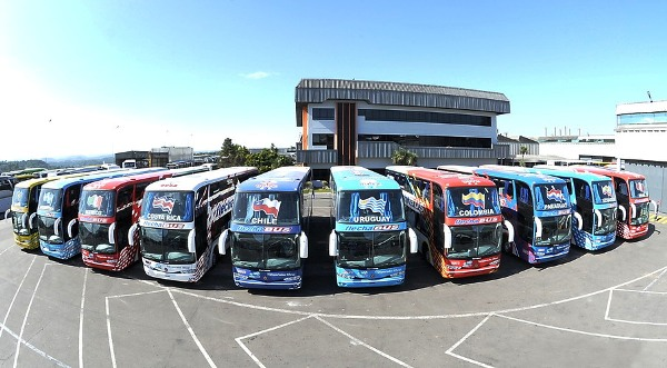 En la Copa América, por ejemplo, cada selección tenía su propio omnibus personalizado a cambio de publicitar a la marca que está de por medio. ¿No sería un factor viable en el marketing de los equipos del Descentralizado? (Foto: camionesybuses.com)