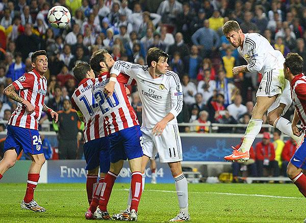 Sergio Ramos se eleva y le anota al Atlético de Madrid en la final de Champions. (Foto: Reuters)