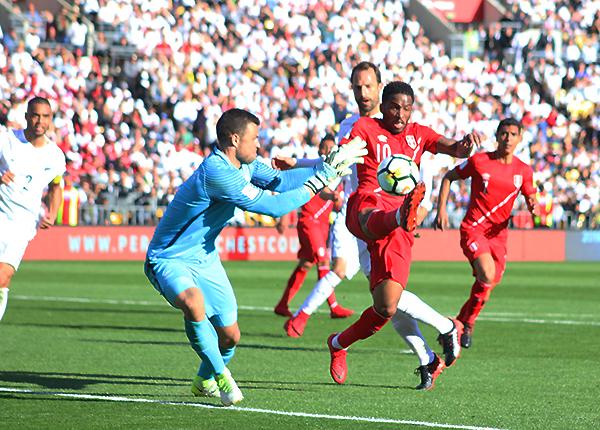 Nueva Zelanda volvió a quedarse en la puerta de la clasificación. La selección peruana se encargó de superarlo. (Foto: Pedro Monteverde / DeChalaca.com)