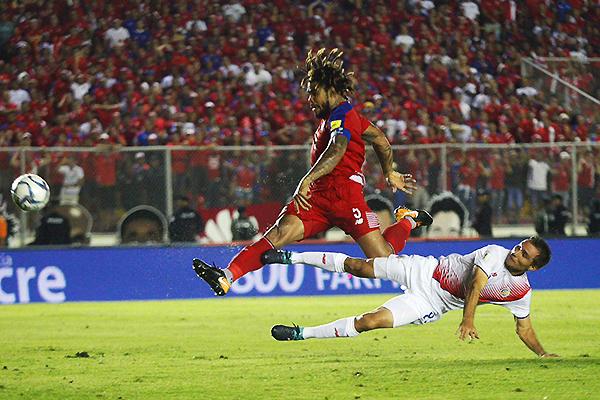Román Torres define y le da el boleto a Panamá para el Mundial. (Foto: Noticia al Día)