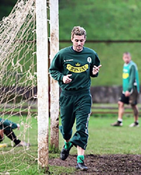Tagliani entrena con Deportes Temuco, uno de sus últimos clubes como profesional. (Foto: El Mercurio de Calama)