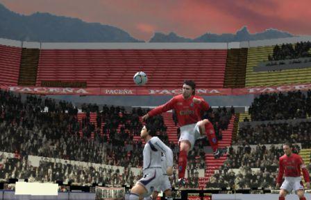 José Carlos Fernández siempre se elevó más que el 'Chino' Contreras y por eso anotó dos veces de cabeza (Imagen: Martín Velásquez / Peru Evolution Soccer)