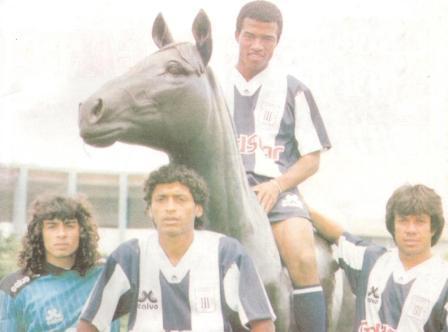 Cuatro potrillos de Arrué en su primera etapa aliancista: Francisco Pizarro, César Barrueto, Waldir Sáenz y Marco Valencia (Foto: Estadio)
